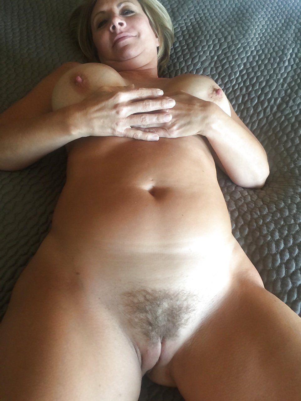 Hairy mature nude selfies — pic 5
