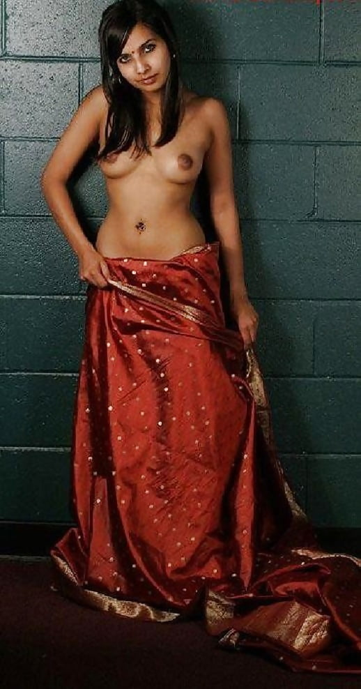 Nude girl photoshoot with saree