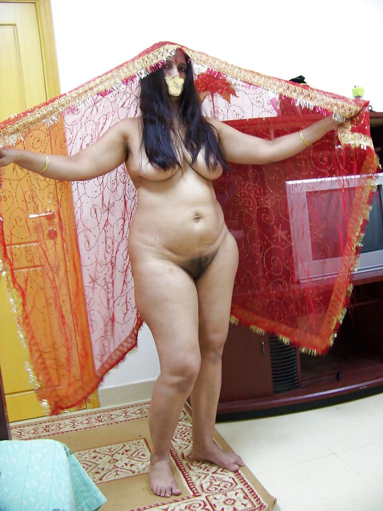 Hot indian aunties ass