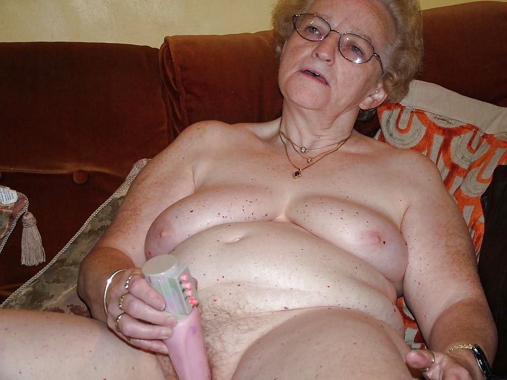 Nude granny with sex toys photos 2