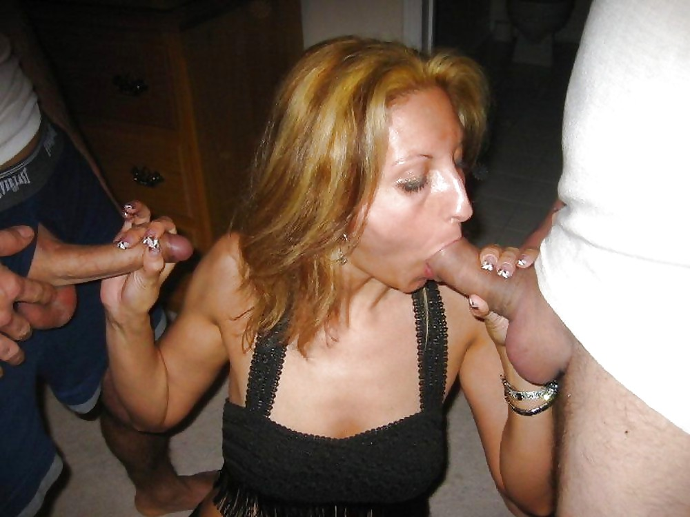 Backstage photo sucking stripper housewife