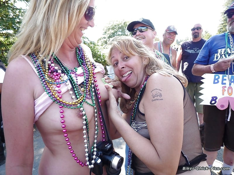 Drunk naked biker chicks