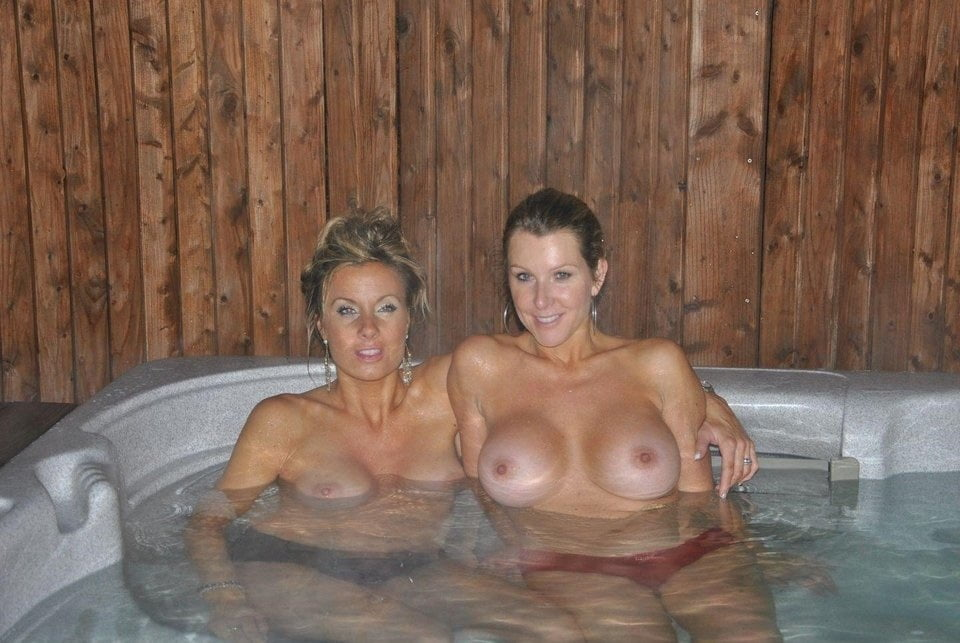 Busty Blonde Milf Holly Kiss Naked In The Hot Tub Takes A Load Of Cum On Tits