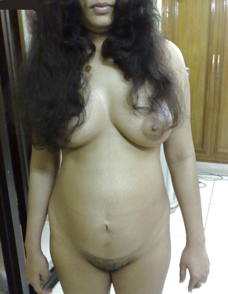 Pregnant sexy aunty — photo 14