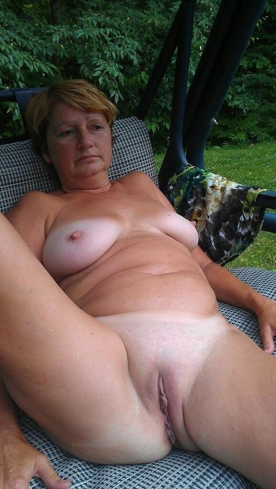 Pulling British Amateur Granny