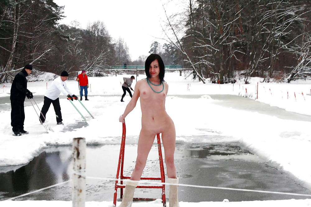 Nude legends on ice