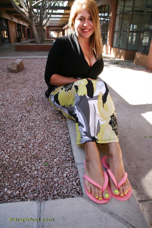 milf-naked-mom-with-flip-flops