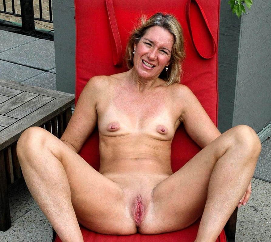 Mature Small Tits Xxx And Mom Porn Pics