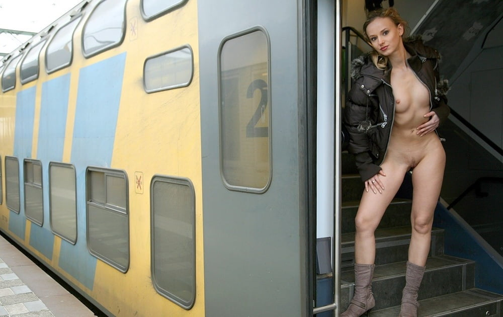 run-a-train-in-pussy-nude