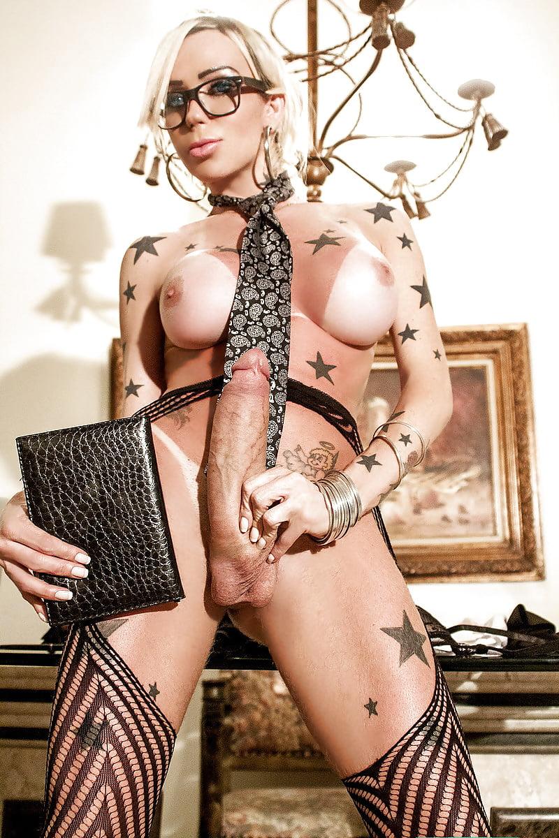transseksual-sekretarsha-porno-video