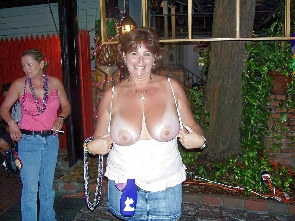 free-tits-pics-in-bars-naked-swedesh-women