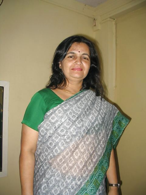 Mature indian aunties nude
