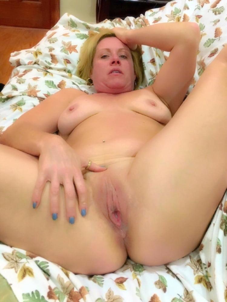 Amateur Blonde Milf Riding