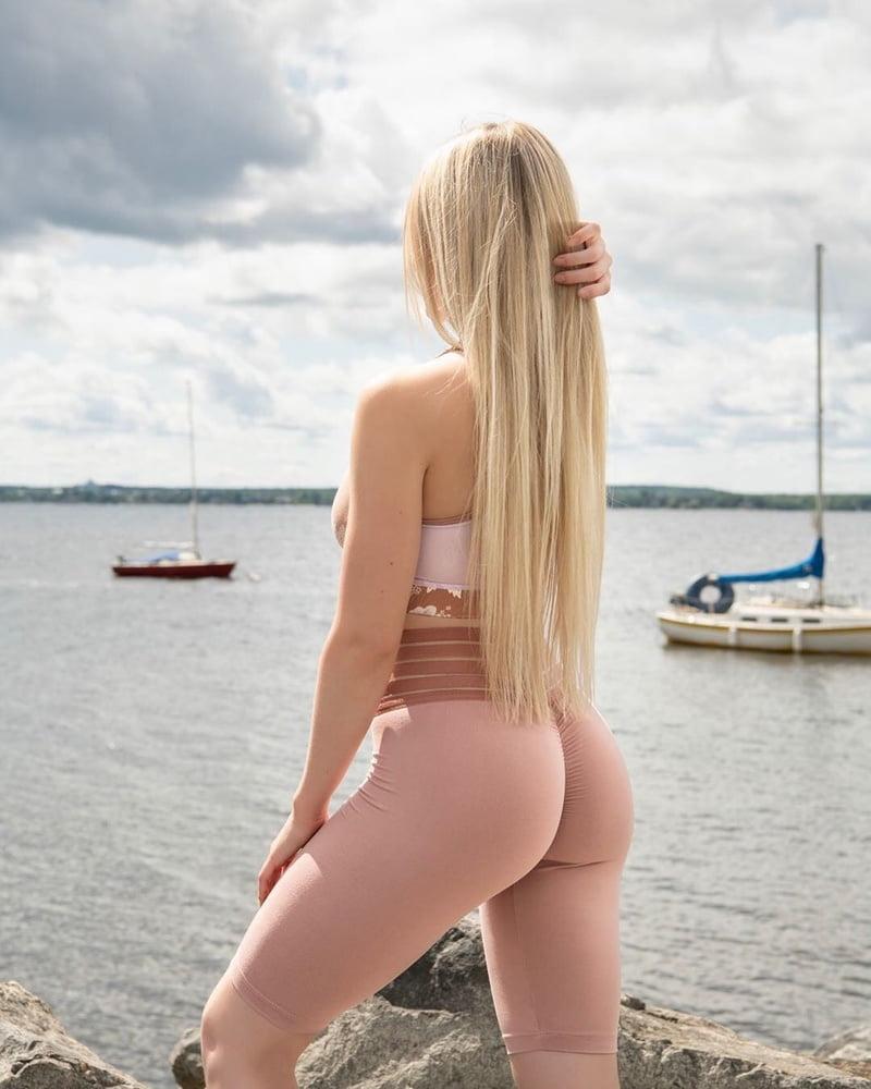 Blonde - 444 Pics