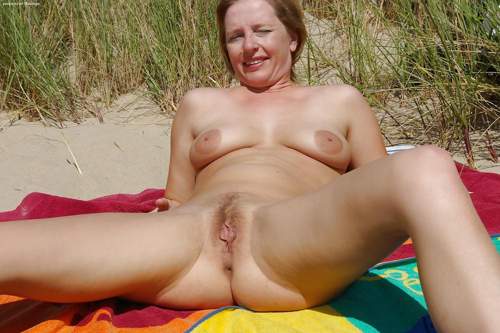 Milf beach sex porn pics