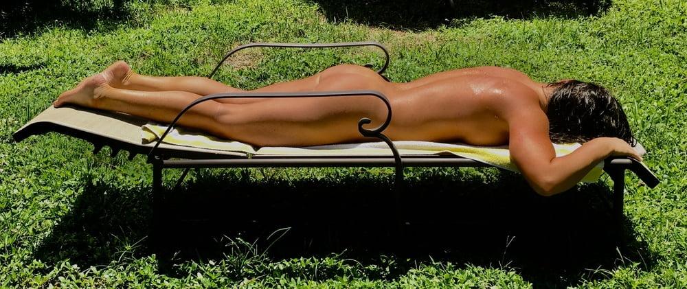 Naked females outside-2270