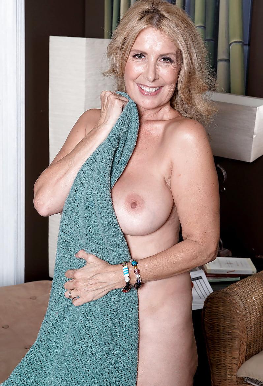 Laura layne nude, sex thiland