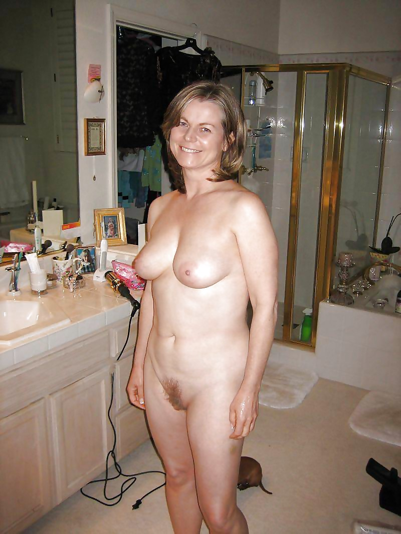 average-nude-mature-wife