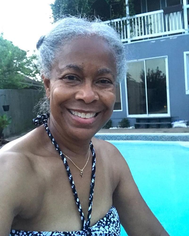 Sexy granny nude photos