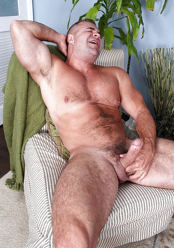 free-mature-hairy-male-men-videos