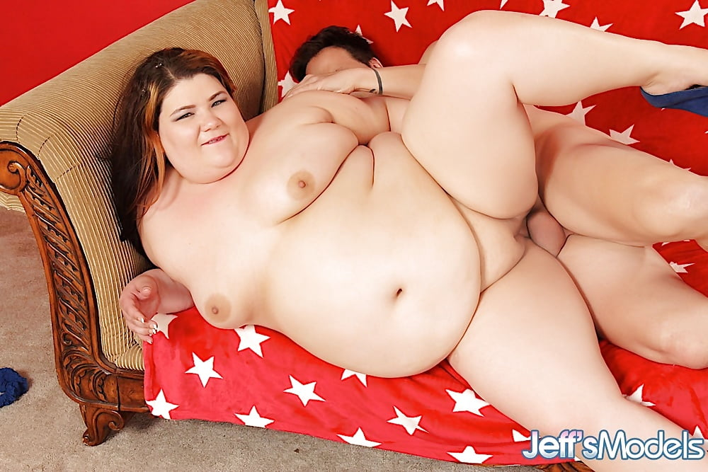Bbw Juicy Jazmynne Strips Xhamster 1