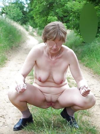 Warren recommends Ebony upskirt panties