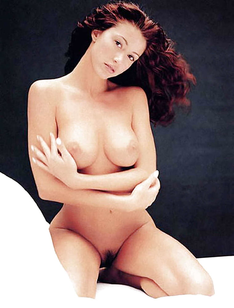 Shannon Elizabeth - 35 Pics