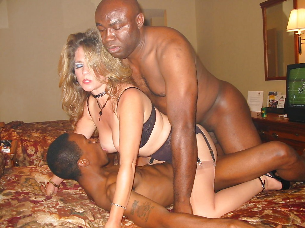 dating-group-interracial