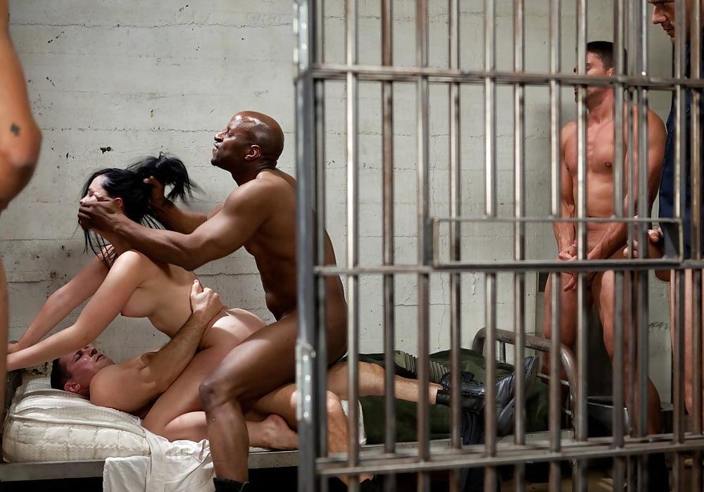 Japanese escape prisoners