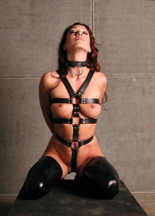 bondage-female-free
