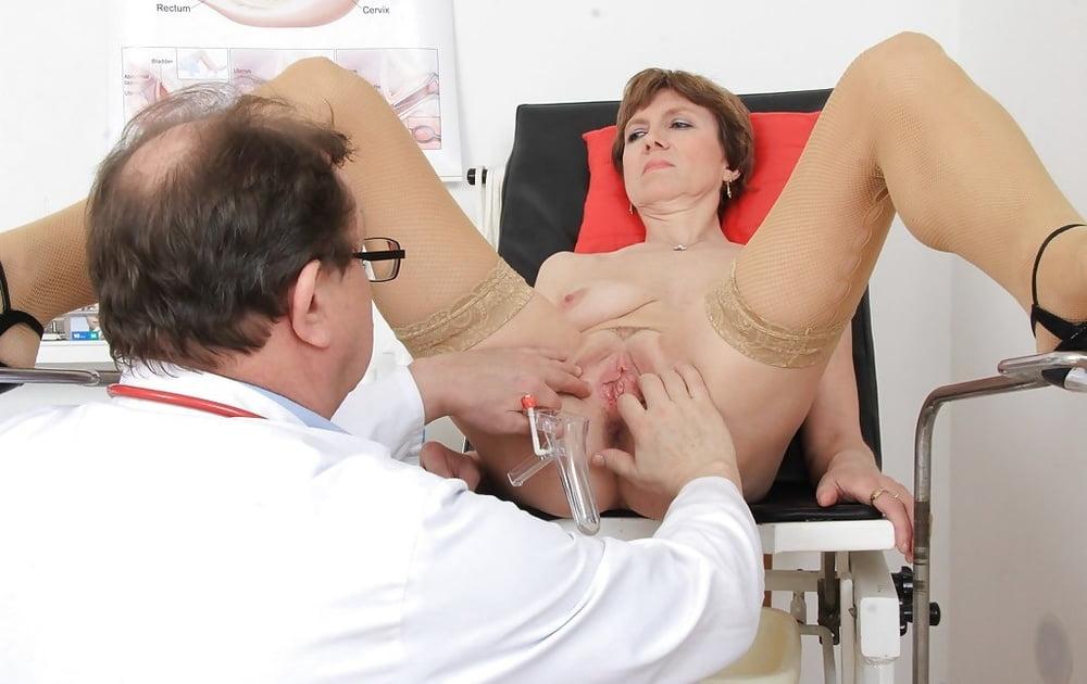 женщина пригласит мужчину в питере для осмотра в гинекологическом кресле заходите