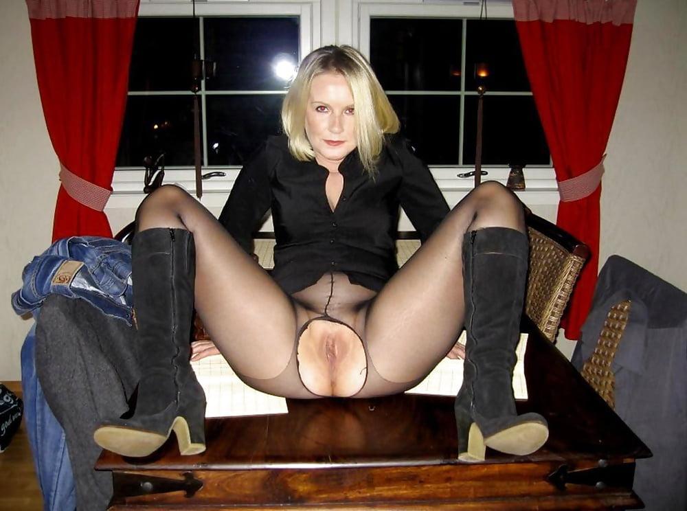 Русский секс шлюхи под юбкой между ног про секс новое