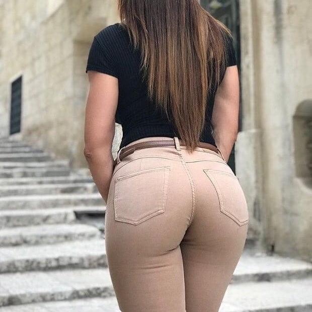 tight-jeans-butt-women-ass