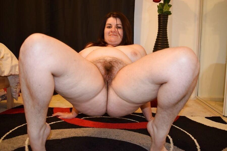 Big tits bbw solo masturbaiting hairy pussy