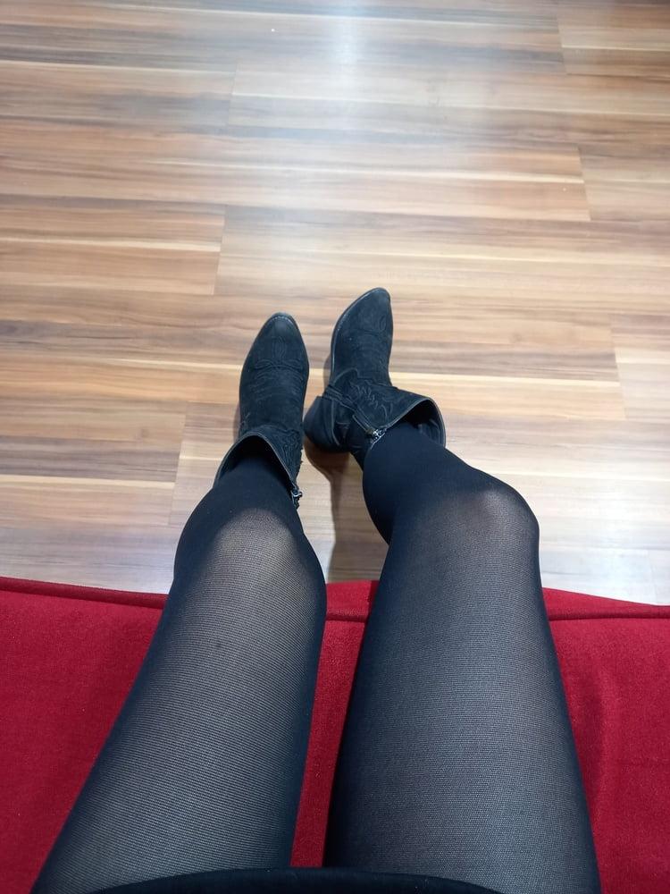 Lesbian feet fetish-9792
