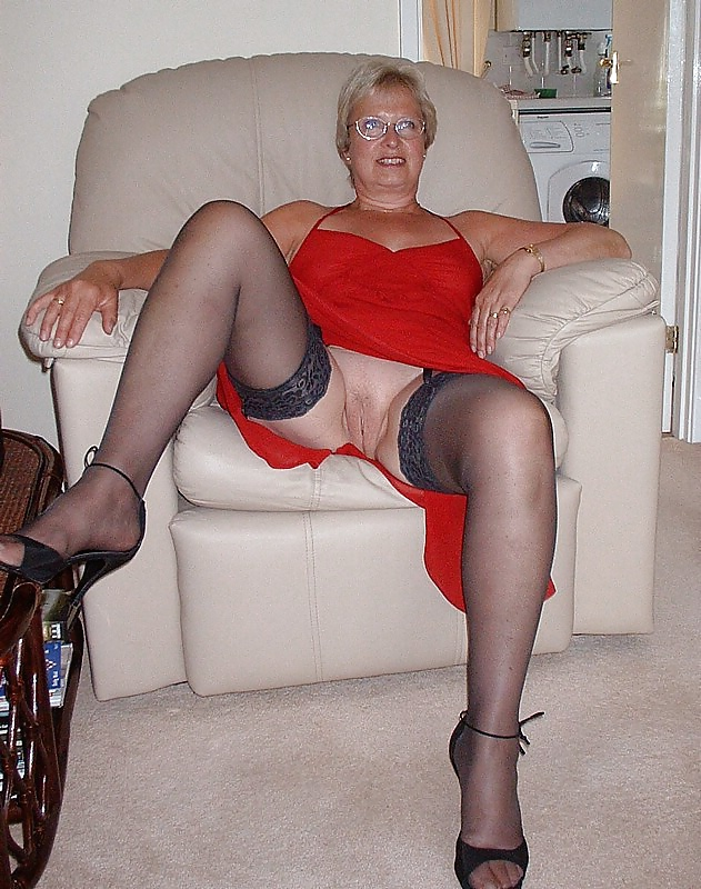 See and save as mature monique in stocking porn pict