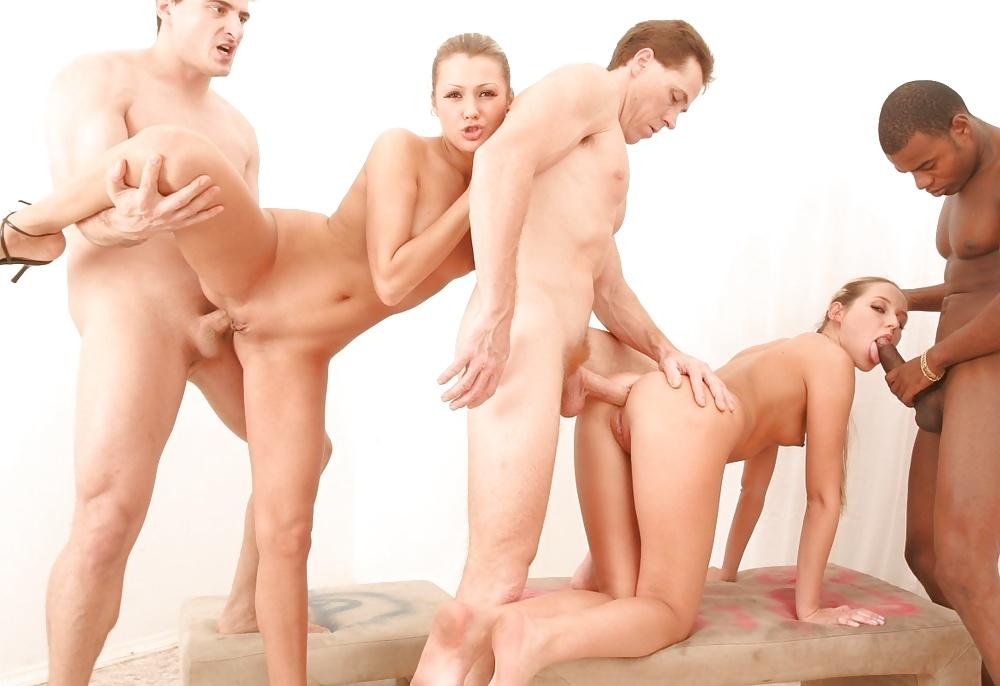 krasivie-obnazhennoe-gruppovoy-seks-s-aney-zolotarenko-krasiviy-porno-aktrisi
