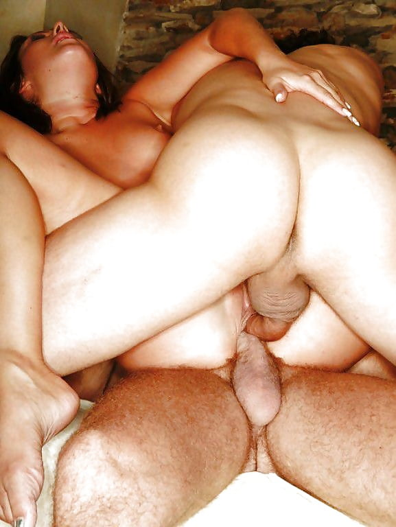 Муж с другом чпокают жену в два члена в пизду — 3