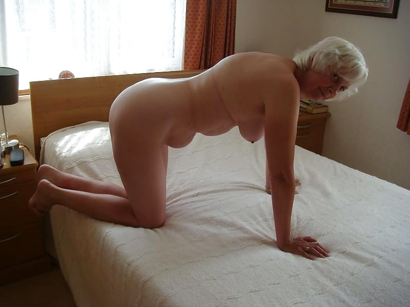 Granny in the changing room gives in and takes the young man's cock into her pussy