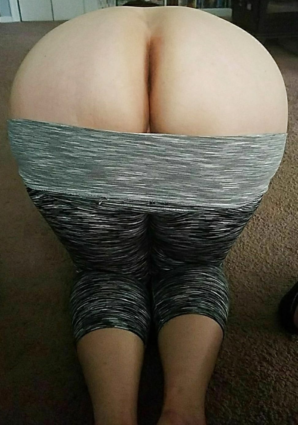 Fat pussy in yoga pants
