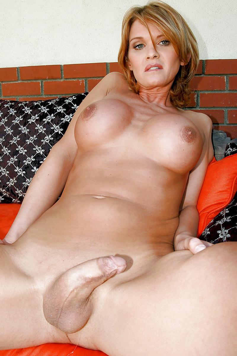 Tranny daughter awakes her sleeping pregnant mother with fuck
