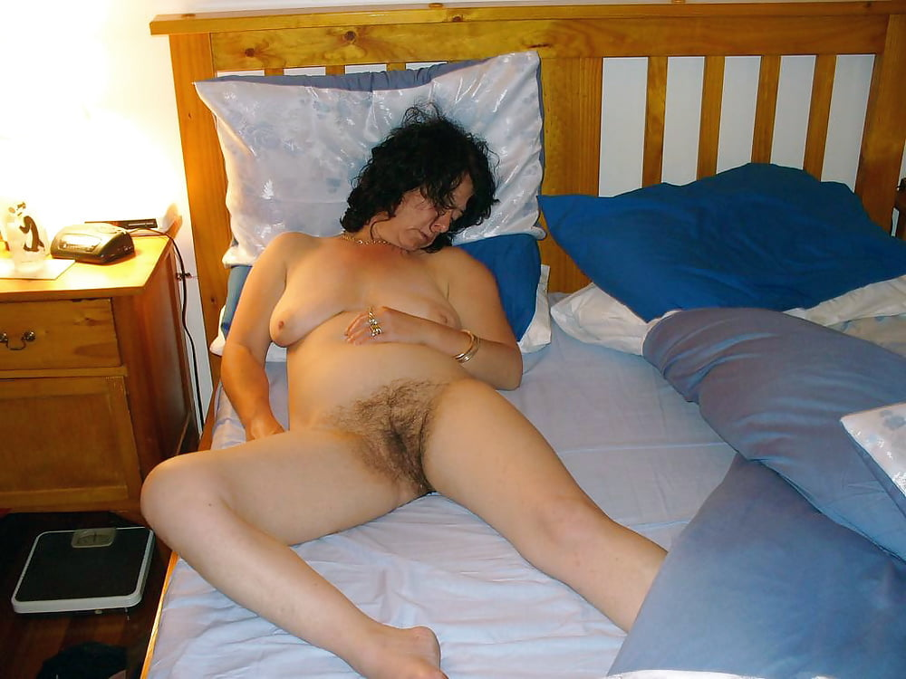 Mom sleep nude