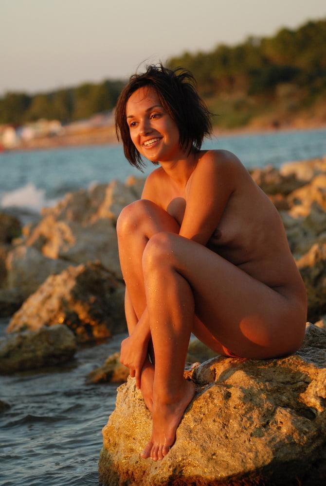 Nude Nicaraguan Women