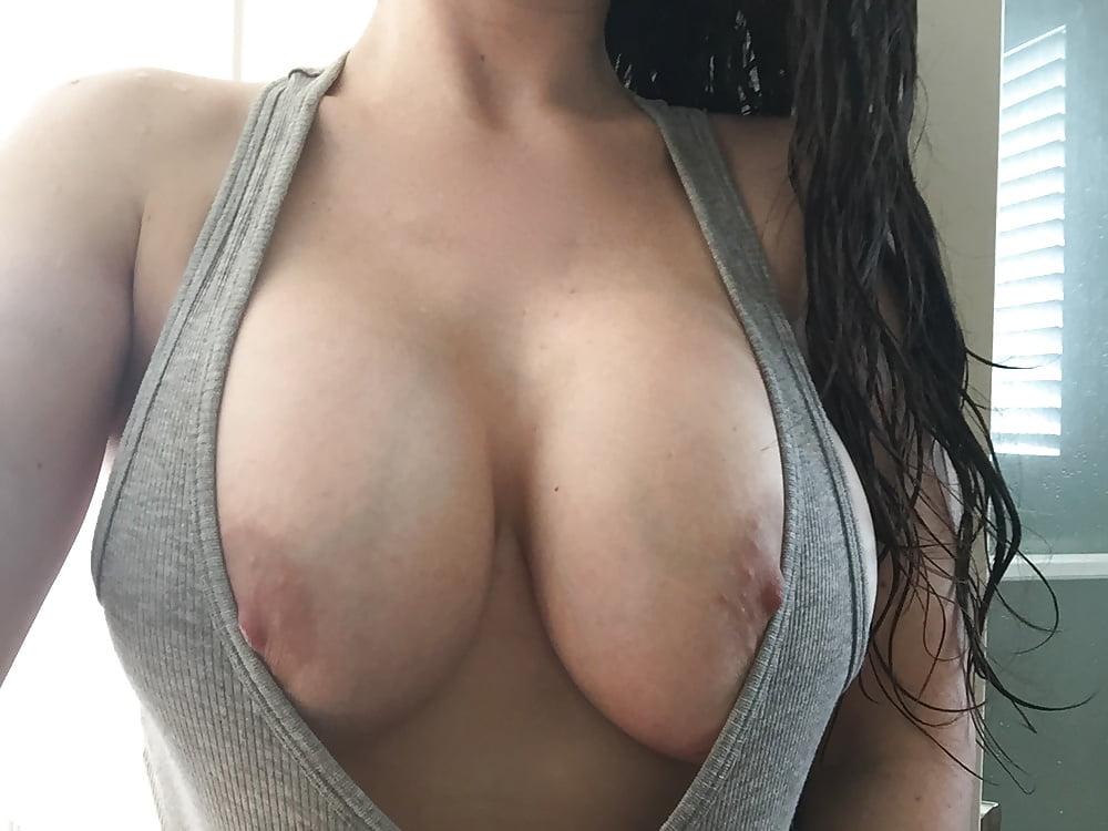 guys-scooping-girls-boobs