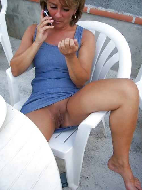 Mature women upskirt-4034