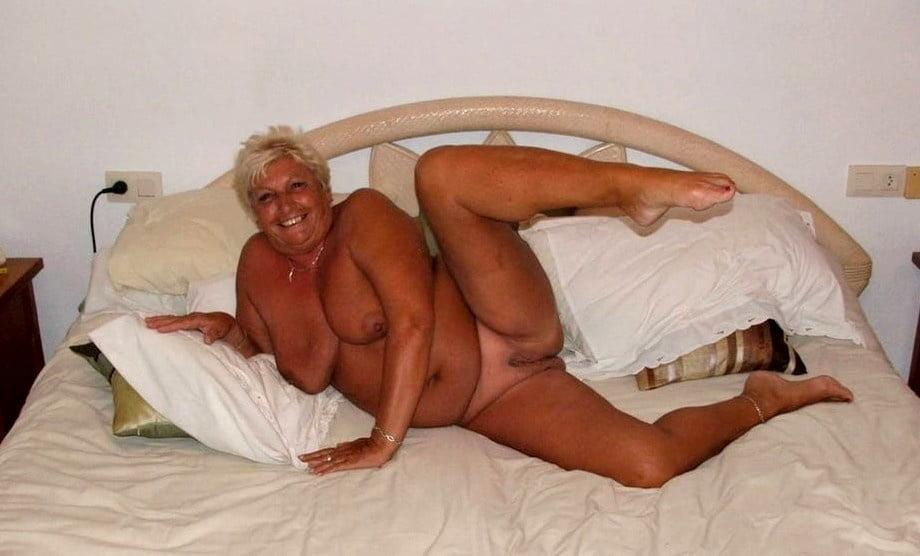 Horny older women near me-2880