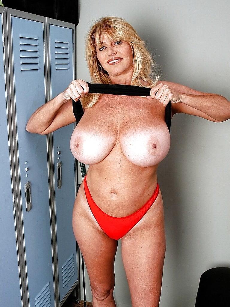 Old mature tit — pic 11