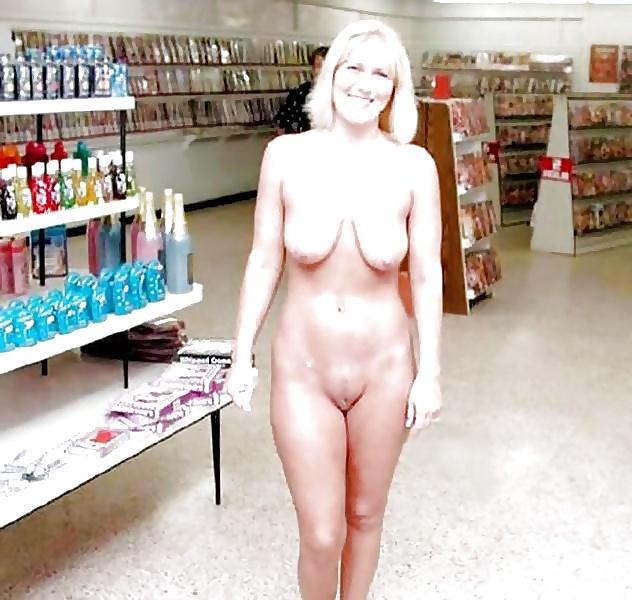 Mom flashing public naked
