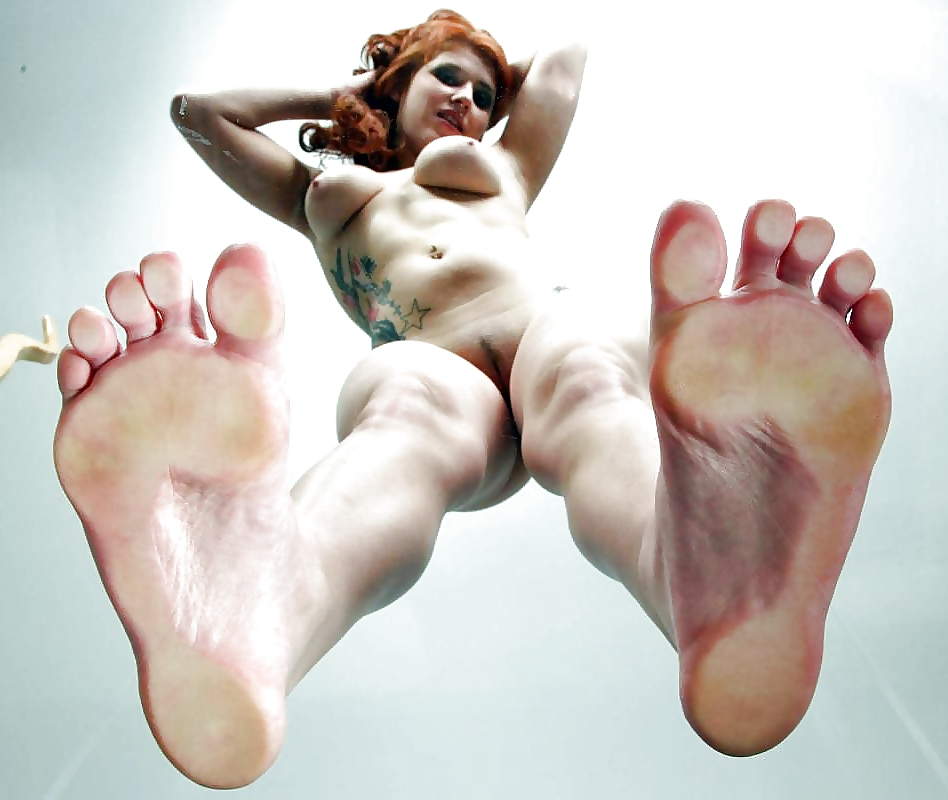 erotica-girls-feet-sexy-girls-playing