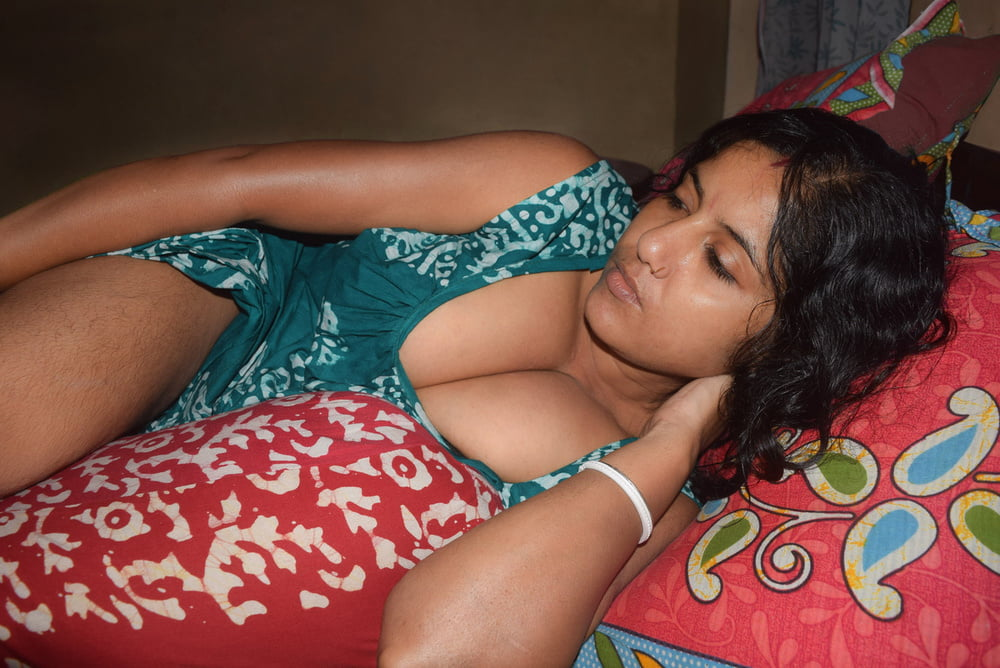 Hot indian bhabhi lying naked in forest porn indian image